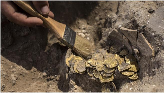 Movie treasure found: 425 pure gold coins over 1,000 years old