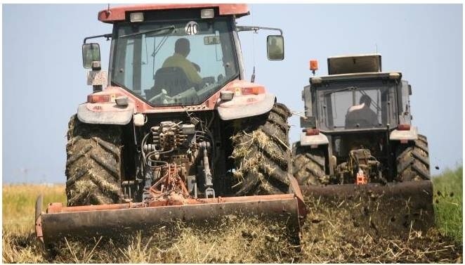 """Farmers dismiss the European agreement as """"unacceptable"""" and put the losses to the countryside at 800 million"""